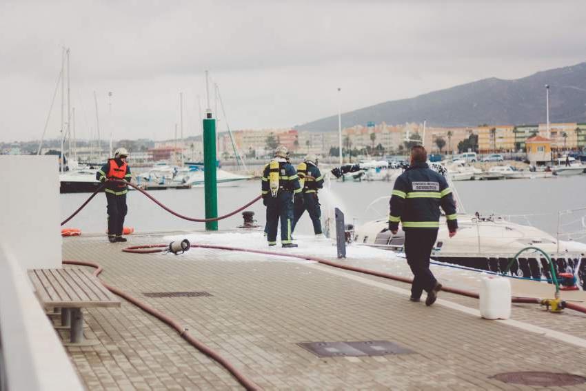 Alcaidesa Marina realiza dos simulacros dentro de su plan de formación y seguridad
