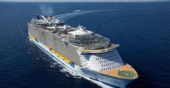 El barco más grande del mundo llega a Málaga