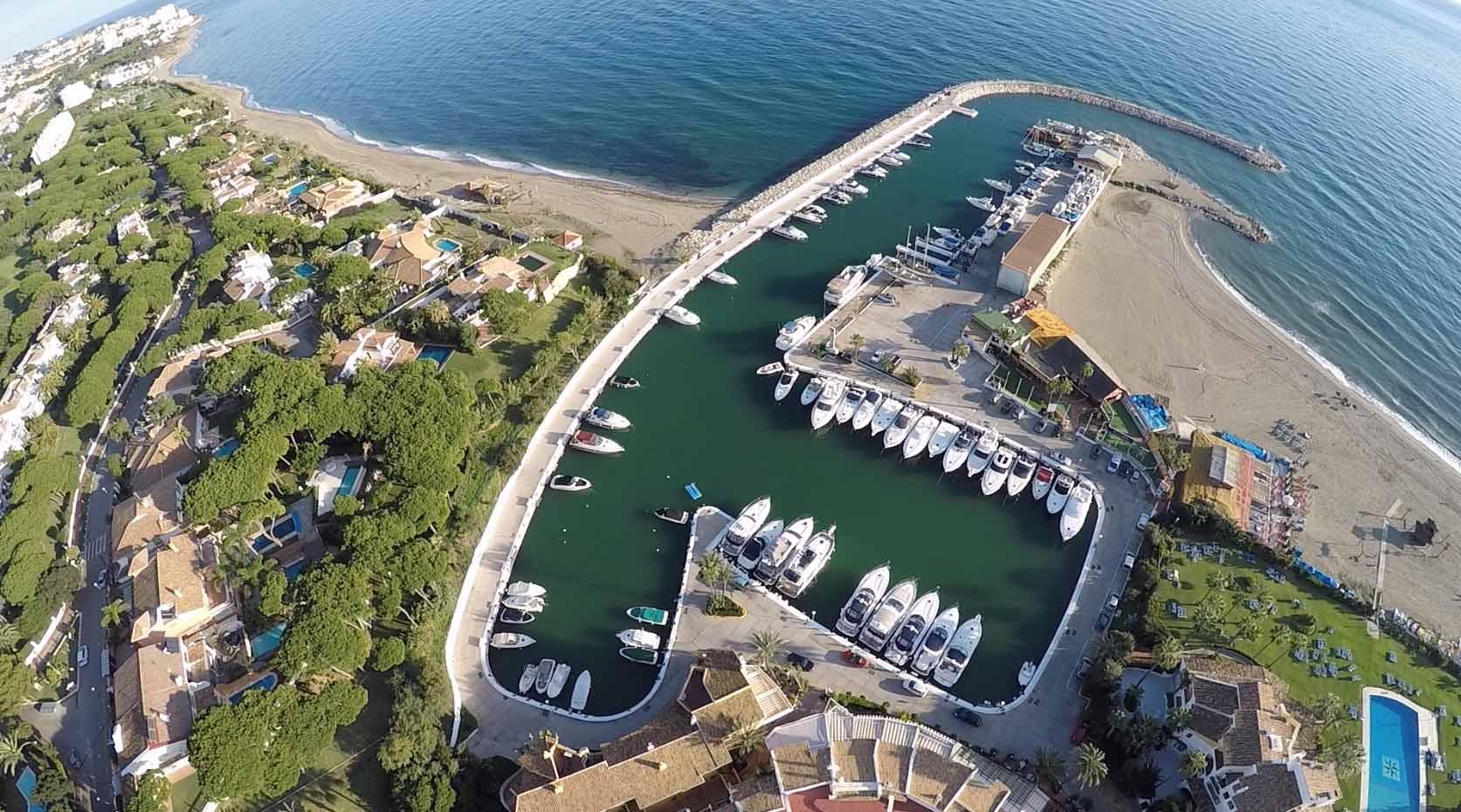 Marinas de Andalucía y los puertos malagueños en el suplemento dominical de Vocento